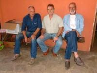 Männer sonnen sich in Paraguay
